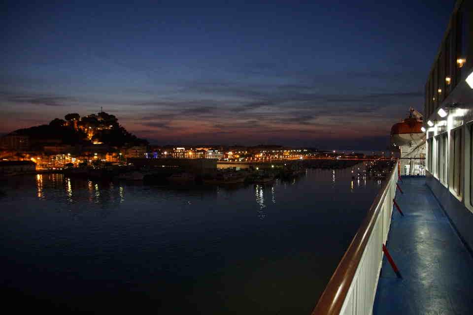 Blick auf Denia von der Fähre nach Ibiza
