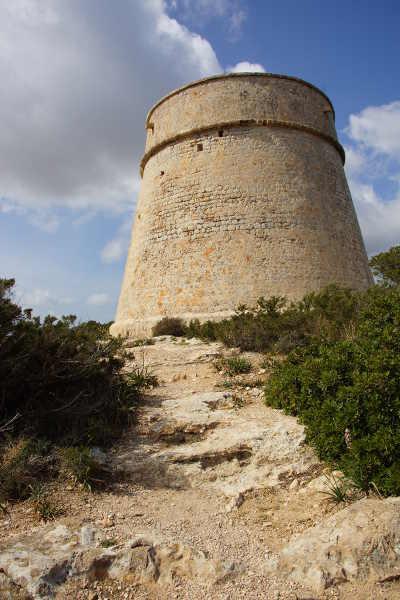 Wehrturm im Naturschutzgebiet ses Salines